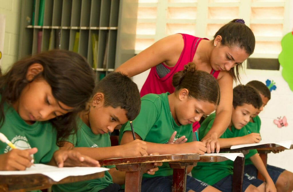 Univida Teacher and Students